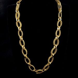 Twist Link Necklace Gold Tone